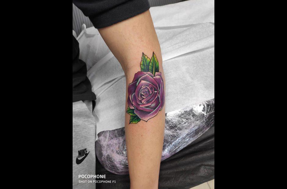 קעקוע פרח צבעוני