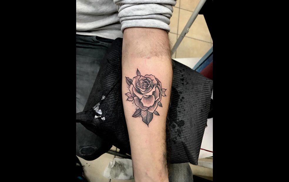קעקוע פרח