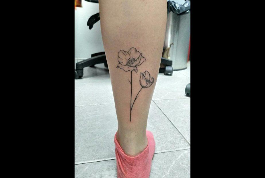 קעקוע פרח אאוט ליין
